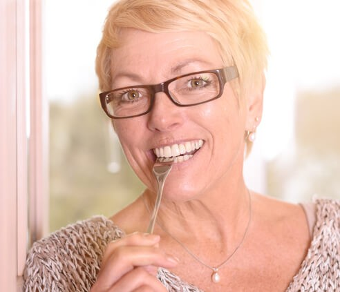 Maintaining Healthy Dentures Old Smile